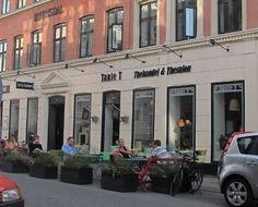 """""""Tante T teasalon"""" in Copenhagen, Denmark. Photo by http://teatra.de member Bram on his latest blog post."""