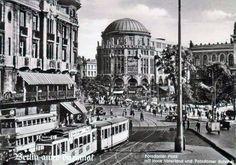 Berlin, Blick auf den Platz mit Haus Vaterland und Potsdamer Bahnhof (rechts). Fotopostkarte, nach 1928.
