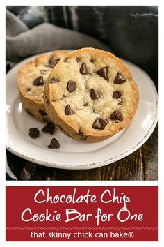 Chocolate Chip Cookie Bar for One - a small batch recipe that bakes up a big chocolate chip cookie in no time! Mug Recipes, Sweet Recipes, Baking Recipes, Cookie Recipes, Dessert Recipes, Single Serve Desserts, Small Desserts, Easy Desserts, Single Serving Recipes