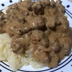 """Creamed Ground Beef """"My aunt used to serve this to her husband,and she said he never got tired of it!"""" Creamed Ground Beef My aunt used to serve this to her husband,and she said he never got tired of it! Beef Kabob Recipes, Sirloin Recipes, Cooking Recipes, Healthy Recipes, Top Recipes, Meatball Recipes, Ground Beef Dishes, Ground Beef Recipes Easy, Sos Recipe Ground Beef"""