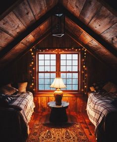 Log cabin living room decorating ideas cabin bedroom decor rustic cabin bedroom decorating ideas log home Cozy Cabin, Cozy House, Cozy Cottage, Rustic Cottage, Style Cottage, Guest Cabin, Garden Cottage, Cottage Living, Cottage Design