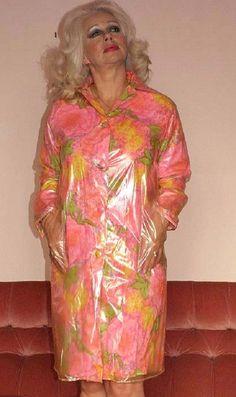 Pvc Raincoat, Plastic Raincoat, Plastic Aprons, Plastic Mac, Rain Suit, Apron Dress, Flower Patterns, Macs, Older Women