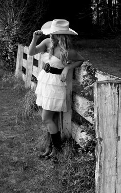 Cowboy hat. Want to do this type of pic for senior pic! ♥