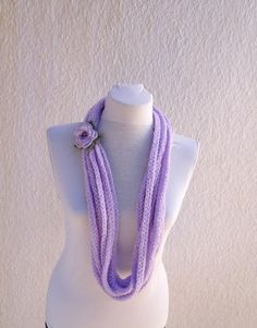 Lilac infinity scarf - wool chain necklace - Crochet Spring accessorie