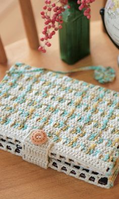 Crochet notebook cover - free diagram pattern