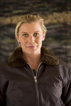 Katee Sackhoff is caught in Vic moment Longmire Series, Walt Longmire, Katee Sackhoff Longmire, Robert Taylor Longmire, Tv Series, Serie Tv, Music Tv, Female Images, Best Tv