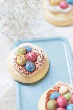 Pavlovas de Pâ Easy Easter Desserts, Easter Treats, Easter Recipes, Easter Food, Pavlova, Easter Printables, No Cook Desserts, Easter Dinner, Macaron