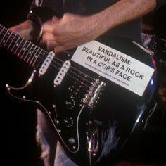 So fucken cool! Music Aesthetic, Aesthetic Grunge, Aesthetic Photo, Aesthetic Pictures, Orange Aesthetic, Aesthetic Vintage, Punks Not Dead, My Vibe, Kurt Cobain