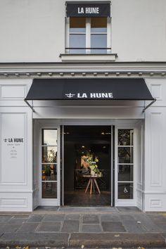 imagen 5 de La Hune, librería de sueños en la place St. Germain de París.