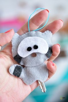 DIY Felt Raccoon - FREE Pattern and Tutorial