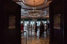Der Zankyou Wedding Club mitten im Herzen von Zürich! Chandelier, Events, Ceiling Lights, Wedding, Home Decor, Nice Asses, Valentines Day Weddings, Candelabra, Decoration Home
