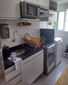 Kitchen Room Design, Interior Design Living Room, Kitchen Decor, Backyard Guest Houses, Loft House, Contemporary Kitchen Design, Cool Apartments, Sweet Home, Kitchen Cabinets