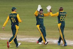 Welcome to Sport Theatre: South Africa's Phangiso cleared to bowl ahead of W...