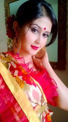 Rodela jannat C Most Beautiful Models, Most Beautiful Indian Actress, Beautiful Eyes, Cute Girl Face, Cute Girl Photo, Beauty Full Girl, Beauty Women, Pakistani Dress Design, Girls Dpz