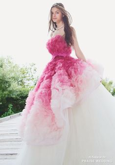 If you are a fashion-forward contemporary bride with a princess heart, this pink ombré gown from Kiyoko Hata is definitely going to be your cup of tea!
