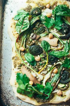 Spring Greens Pizza Kale Recipes, Entree Recipes, Clean Recipes, Pizza Recipes, Vegetarian Recipes, Healthy Recipes, Herb Pizza Recipe, Green Pizza, Vegan