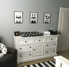 Cute graphic black and white nursery! So much for baby to look at.