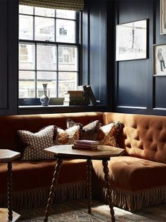 As we're seeing an uptick in decor from the U., we chatted with the Soho House team about what constitutes British design style and how to apply it to homes all over the world. English Interior, English Decor, British Decor, British Style, Charcoal Walls, Interior Styling, Interior Design, Soho House, Living Spaces