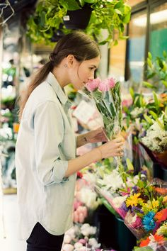 .Que eu nunca perca, o gesto nobre de me encantar com as pequenas coisas. Desde um sol acordando ou  de uma flor brotando ou de num lindo canto, me emocionar. (Julister Ribeiro)
