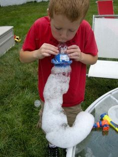 Betz White has a tutorial on how to make a Super Foam-erator from a recycled plastic water bottle. Betz writes: In my quest for summer activities to Mousse, Bubble Snake, Bubble Fun, Bubble Juice, Bubble Party, Projects For Kids, Crafts For Kids, Homemade Bubbles, Infants