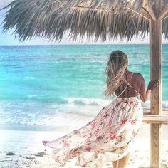 When the hair waves are as stunning as the beach waves   @sinachheav #bahamas #nassaubahamas #beachlife  #windinmyhair #travel #travelblogger #traveltheworld #shetravels #vacay #femaletraveler #haironfleek #longhair #hair #blondehair #blonde #blondehairextensions #blondehairdontcare #lighthair #lighthaircolor #blondebeauty #hairoftheday #happyhair #blondie #blondebabe #beachyblonde #sandyhair #clipinhair #clipinextensions #clipinhairextensions #extendithair Blonde Hair Extensions, Clip In Extensions, Sandy Hair, Wind In My Hair, Nassau Bahamas, Light Hair, Blonde Beauty, Beach Waves, Long Hair Styles