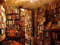 Librerias y bibliotecas en las que el tiempo se detiene y te engancha.