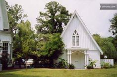 Rose Hill Mansion Guest Cottage  in Bluffton available for daily or weekly rental.