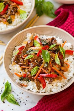 Try this yummy Thai Basil Beef Bowl for dinner with the family. via Cooking Classy Ingredients 1 cups jasmine rice or long-grain white rice for. Asian Recipes, Beef Recipes, Cooking Recipes, Healthy Recipes, Cooking Joy, Chicken Recipes, Thai Basil Beef, Sun Dried Tomato Sauce, Asian Cooking