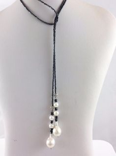 Hematite Lariat Y Necklace with Round and Baroque Freshwater White Pearls - Pearl Jewelry Bead Jewellery, Pearl Jewelry, Beaded Jewelry, Jewelry Necklaces, Beaded Bracelets, Diy Necklace, Necklace Designs, Necklace Ideas, Pearl Necklace