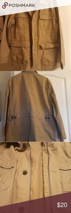 Jacket Utility type. 4 pockets outside, 1 inside. Good for spring. Never worn Article 365 Jackets & Coats