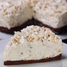 "This is ""Cheesecake al torrone"" by Al.ta Cucina on Vimeo, the home for high quality videos and the people who love them. Easy Cookie Recipes, Brownie Recipes, Sweet Recipes, Cake Recipes, Snack Recipes, Dessert Recipes, Holiday Cakes, Holiday Desserts, Cakes That Look Like Food"