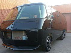 GMC Seamless Window Glass Motorhome For Sale in Encinitas, California Gmc Motorhome For Sale, Rv Classifieds, Class A Rv, Expedition Truck, Vintage Rv, Rc Trucks, Rear Window, Caravans, Encinitas California