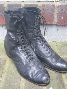 Edwardian Womens Black Leather High-top Shoes