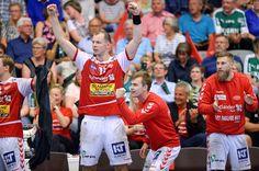 Simon Hald i jubel undervejs mod guldmedaljerne. Stregspillerne var toneangivende i en forrygende defensiv. Foto: Claus Søndberg