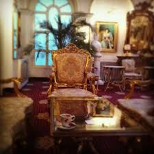 Imagini pentru împăratul romanilor sibiu Armchair, Furniture, Home Decor, Sofa Chair, Decoration Home, Room Decor, Armchairs, Home Furnishings, Arredamento