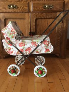 RARE Vintage 1980's STRAWBERRY SHORTCAKE Doll Stroller / Buggy by COLECO #StrawberryShortcake
