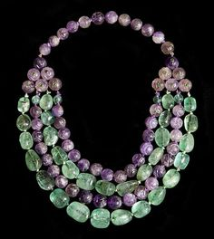 "Suzanne Belperon- ""Plastron"" necklace mounted in yellow Gold with carved Amethyst and Emerald beads by Madame Belperron circa Gemstone Jewelry, Beaded Jewelry, Silver Jewelry, Vintage Jewelry, Fine Jewelry, Jewelry Necklaces, Beaded Necklace, Jewelry Making, Gold Necklace"