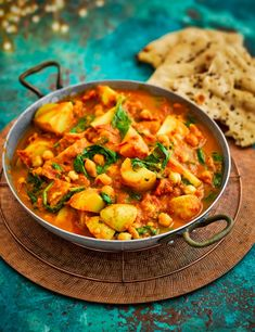 Try one of our 34 vegetarian curry recipes. We've created lots of quick + easy vegetable curry recipes – aubergine, paneer and daals, we love veggie curries Spinach Recipes, Veggie Recipes, Indian Food Recipes, Dinner Recipes, Cooking Recipes, Healthy Recipes, African Recipes, Turkish Recipes, Healthy Vegetarian Lunch Ideas