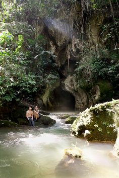 Private tour of ATM Cave in Belize with Ka'ana http://www.kaanabelize.com/blog/index.php/2014/08/30/rainforest-reef-have-it-all-in-belize/ #adventure #xoBelize