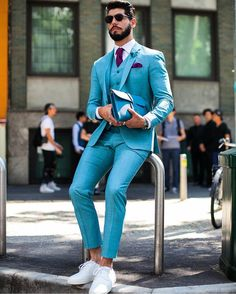 5 styling tips of how to dress like a true gentleman. If you want to become a real man in menswear, click the photo. Indian Men Fashion, Best Mens Fashion, Mens Fashion Suits, Mens Suits, Three Piece Suit, 3 Piece Suits, Suit Up, Suit And Tie, Fashion Mode