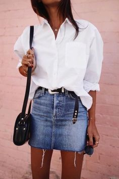 - - Simple Everyday Spring Shirts – Street Style – … – Source by - Moda Fashion, Star Fashion, Womens Fashion, Fashion Fashion, Spring Fashion, Fashion Brands, Fashion Online, Fashion Tips, Simple Outfits
