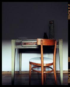 renowacja starego drewnianego kuchennego stołu