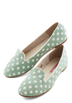Backyard Hostess Flat. Slip into these dotted loafers and greet your guests with pulled-together panache! #mint #modcloth