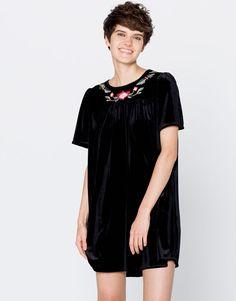 Vestido velvet flores manga corta - Vestidos - Ropa - Mujer - PULL&BEAR México