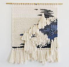 Loom Weaving, Tapestry Weaving, Hand Weaving, Weavers Art, Macrame Wall Hanging Diy, Textile Fiber Art, Weaving Projects, Weaving Patterns, Weaving Techniques