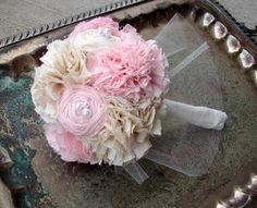 Brožová textilní svatební kytice. Máte rady, tipy?...