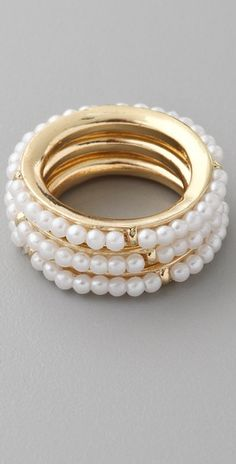 Juliet pearl+gold rings USD27.50  Wonder how to wear this in the finger