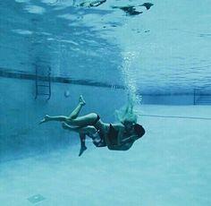 swimming pool, underwater kiss, kiss, couple, cute
