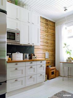 Kitchen ideas: reclaimed wood wall, chalkboard backsplash, painted floors, ceilings...