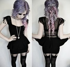 I've never in my life saw a more perfect hair color! And the outfit is awesome too!